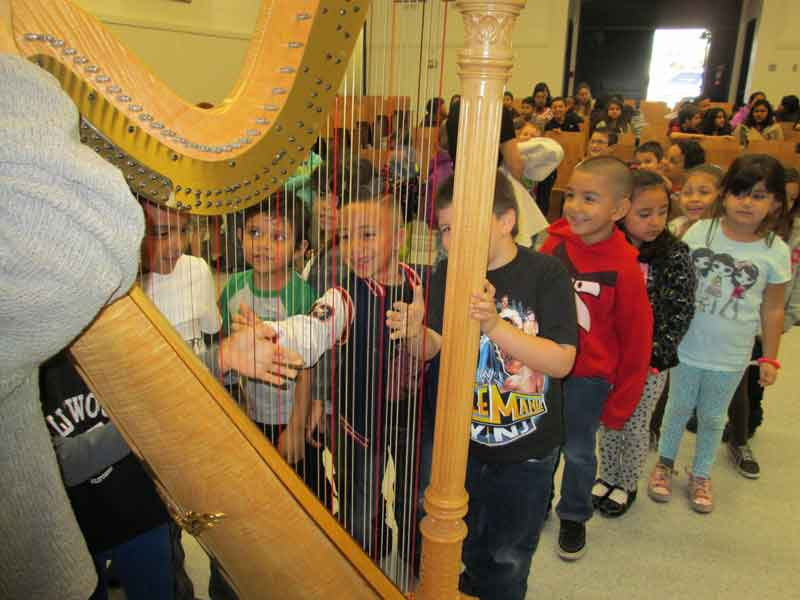 Kids Harp Workshop by The Debussy Trio